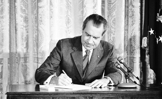 nixon, signing, Drug Abuse Office and Treatment Act, 1972, US, president