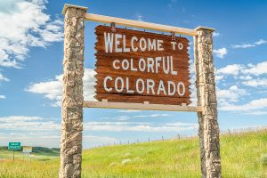 welcome-to-colorful-Colorado-sign-landscape-border